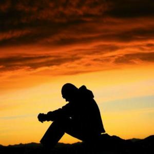 praying_man_sunset-300x300
